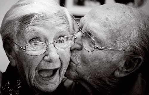 http://otrazhenie.files.wordpress.com/2013/08/couple-happy-kiss-love-married-favim_com-256932_large.jpg